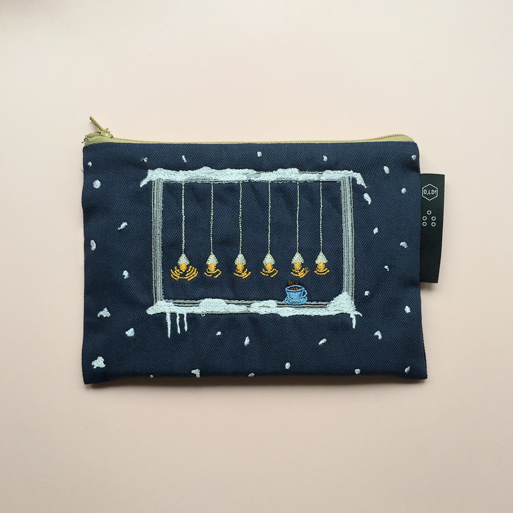 [O,LD! X Mah so young] Embroidery pouch _ navy night